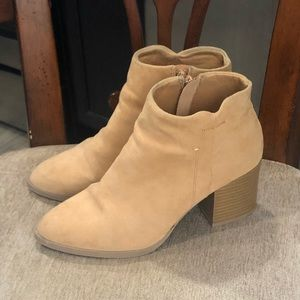 Qupid Tan Ladies Ankle Boots Size 6
